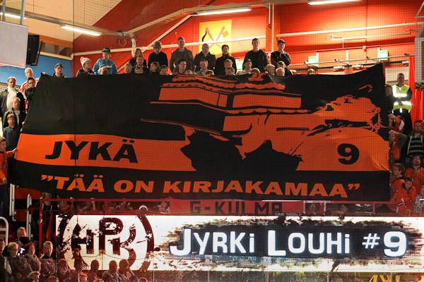 """Jyrki Louhi """"Tää on kirjakamaa"""" © Pekka Rautiainen - www.illcommunications.fi"""